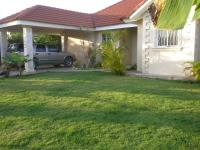 Fixer Upper !! 3 bdrm 2 bath villa ,pool-